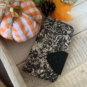Patricia Nash iPhone 10 wallet case